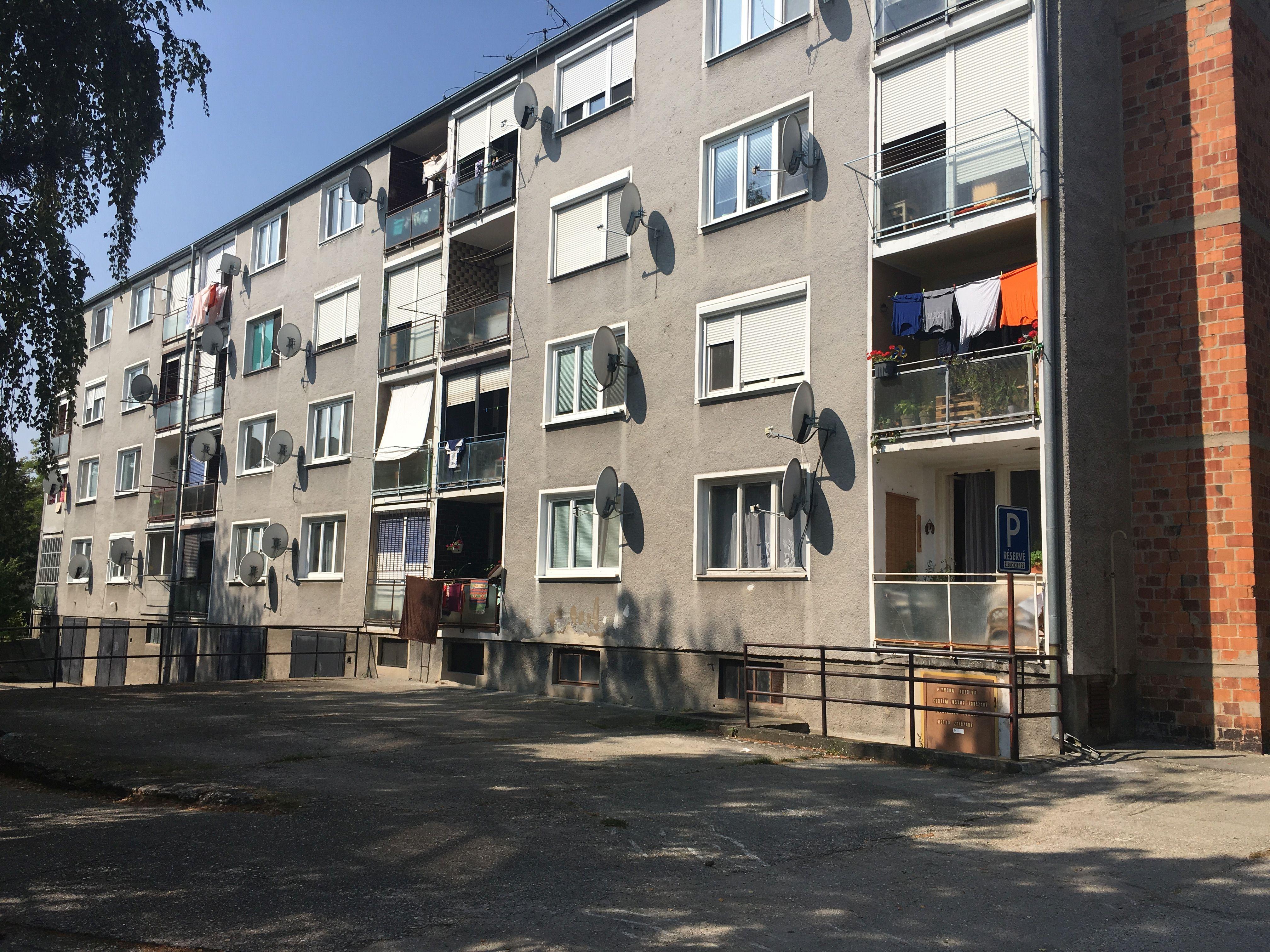 trojizbovy-byt-skolska-ulica-zlate-klasy-rastice